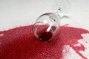 macchia-vino-rosso
